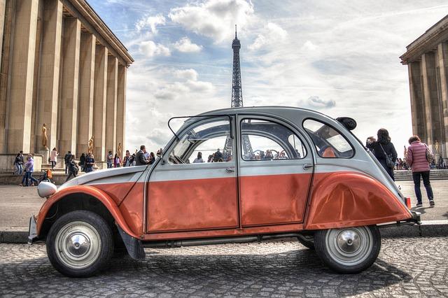 auto v paříži