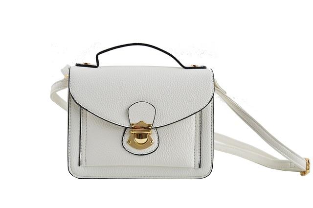 bílá kabelka