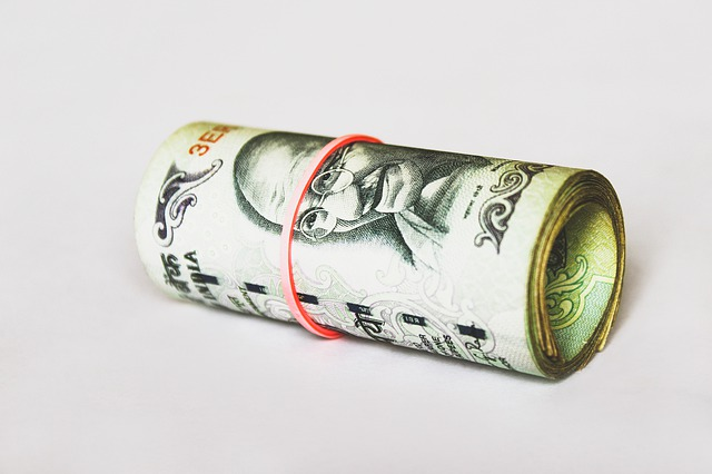 bankovky, rolička